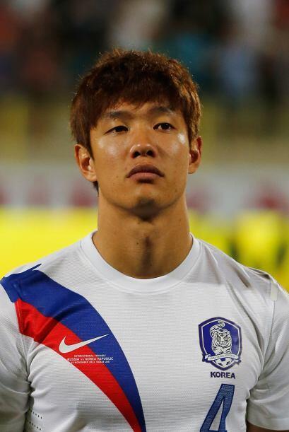 Hong Jeong-Ho.- Con solo 24 años de edad, este defensa del Ausbur...