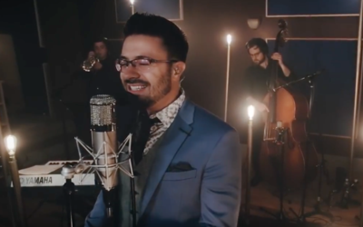 Danny Gokey en su video 'Que tu corazón vuelva a latir (Tropical...