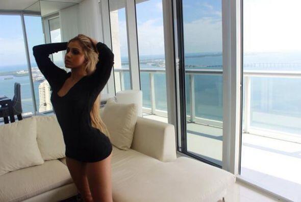Alexa DeLlanos de 22 años, hija de Myrka esta derritiendo el Instragam c...