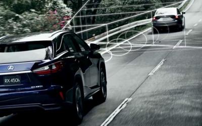 Vehículos Toyota frenarán solos en 2017