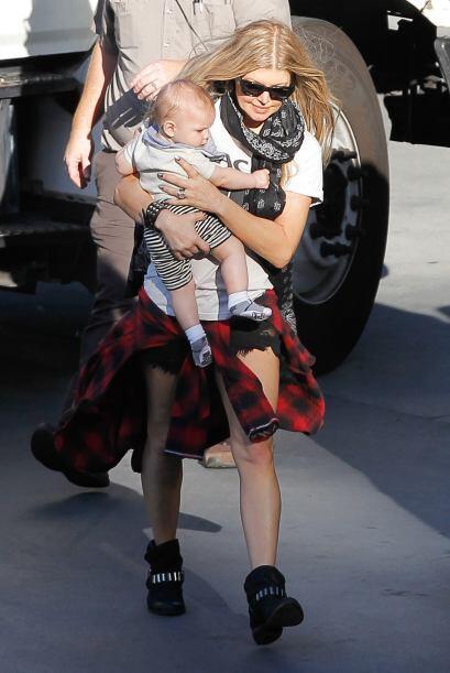 Su esposo Josh Duhamel y su bebito le dieron una gran sorpresa en las re...