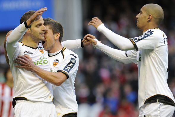 El atacante español abría el marcador en favor de los 'Nar...