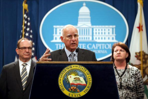 Ante el problema de sequía que se vive en California, el gobernador Jerr...