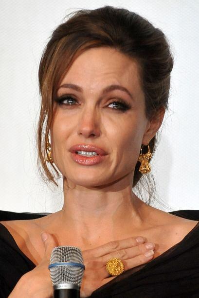 Angelina teme padecer cáncer, ya que su mamá murió a los 56 años por est...