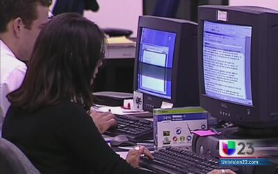 Autoridades anuncian un aumento en el precio de los trámites de inmigración