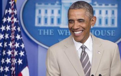 La Casa Blanca defiende el traje beige de Obama