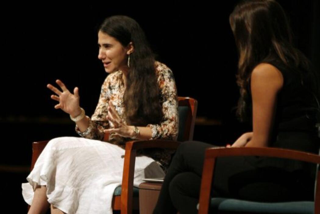 También describió cómo son los blogueros cubanos.