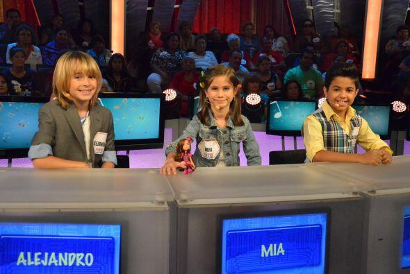 El jurado estuvo integrado por nuestro par de Alejandros y la bella M&ia...