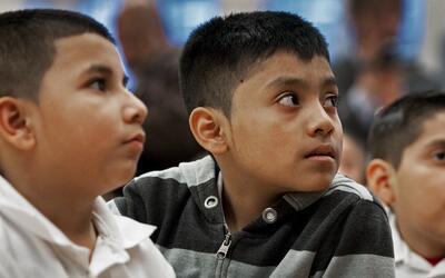 Niños inmigrantes centroamericanos refugiados en Estados Unidos.