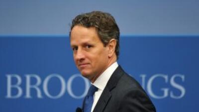 """En opinión de Geithner tanto Italia como España tienen aún """"un largo y d..."""