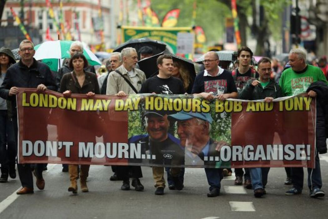 En Londres, los manifestantes celebraron  la vida del secretario general...