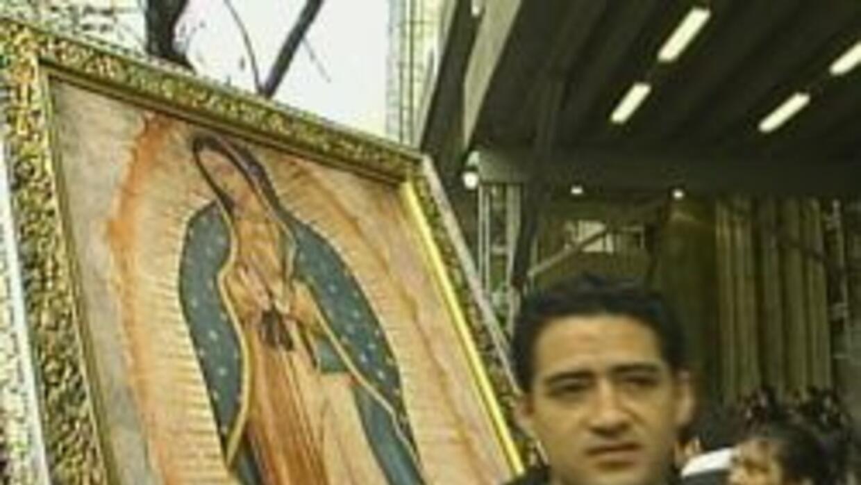 Miles de fieles recibieron la antorcha guadalupana y pidieron una reform...