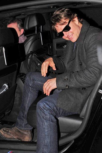 Tom Cruise se llevó un beso bien pintado, ¿quién se...
