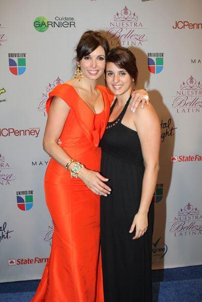 Giselle posó con su hija en la sala de prensa de NBL.