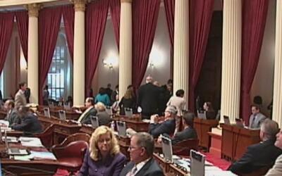 Comité de Asignaciones de California tiene dos días para estudiar 800 pr...