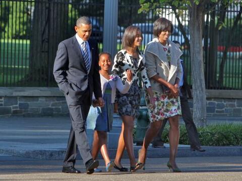 El presidente Barack Obama acudió el domingo a un servicio religioso con...