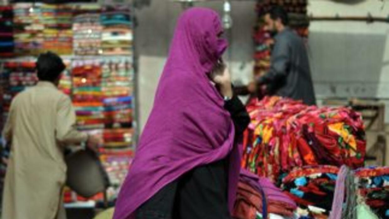 Cerca de mil mujeres perdieron la vida en Pakistán el año pasado a conse...