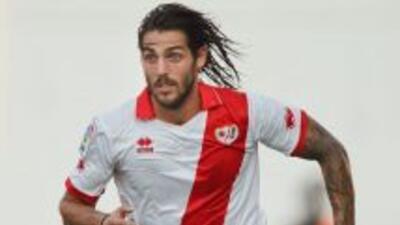 El argentino Larrivey le dio tres valiosos puntos al cuadro de Vallecas...