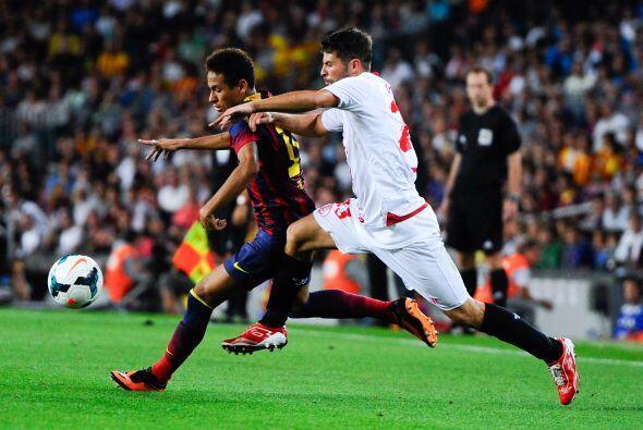 Neymar volvió a ser titular y a generar peligro por el costado de la izq...