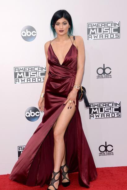 Las Jenner se apoderaron de la alfombra roja. Pobrecita Kyle, ¿te agarró...