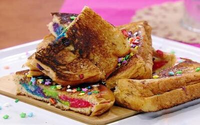 Llena de color tu desayuno con un Sándwich Arcoíris como el que nos prep...
