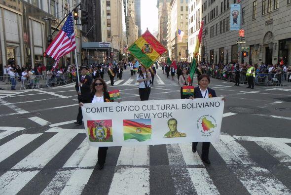 Familias hispanas desfilan por la 5ta Avenida 3070907f74e04acd964b9c1de0...