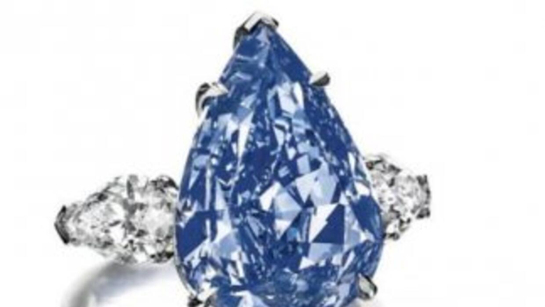 Imagen del diamante azul difundida por Christie's.