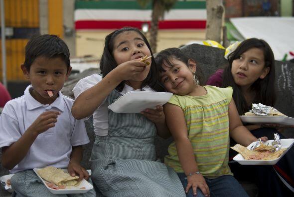 Hoy en día, los tacos no sólo se siguen comiendo en México, como product...