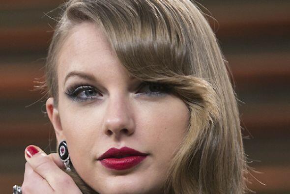 En su más reciente edición, la revista Billboard nombró a Taylor Swift c...