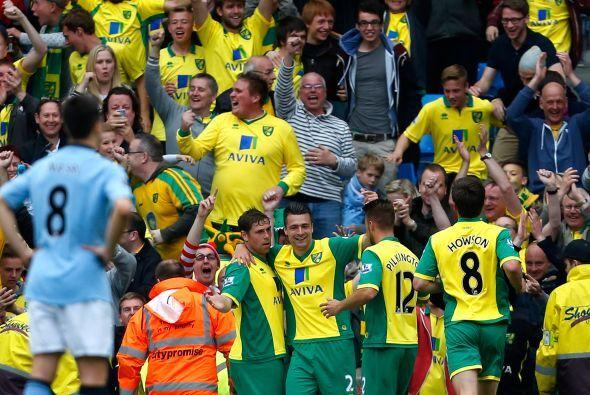 Manchester City cerraba el torneo ante el Norwich City, que logró otro r...