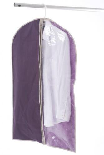 Para que no desordenes toda la ropa cuando buscas un traje, opta por fun...