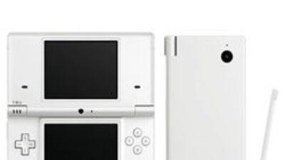 La nueva DSi tiene dos pantallas, dos cámaras y conexión a la Red.