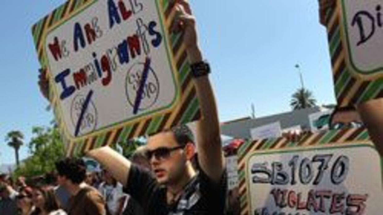 Concejales de Los Angeles se unen a llamado de boicot contra Arizona por...