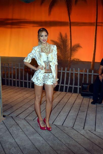 Eiza González llamó la atención por lo bien que se veía vestida toda de...