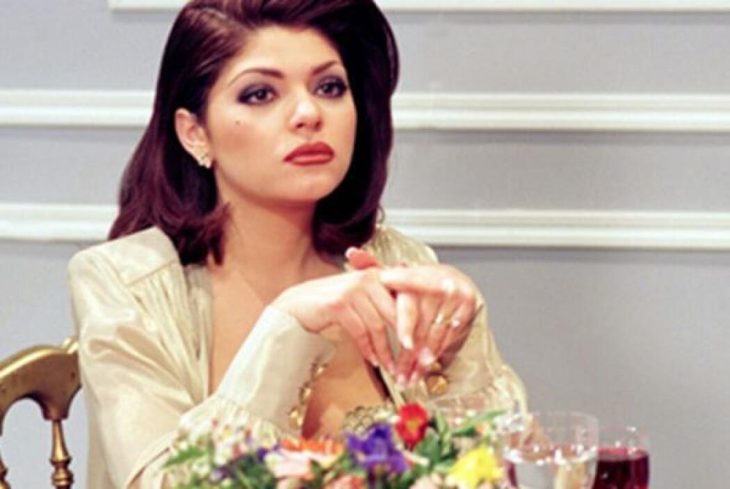 """Itatí Cantoral se encargó de hacerlo con la desquiciada """"Soraya Monteneg..."""
