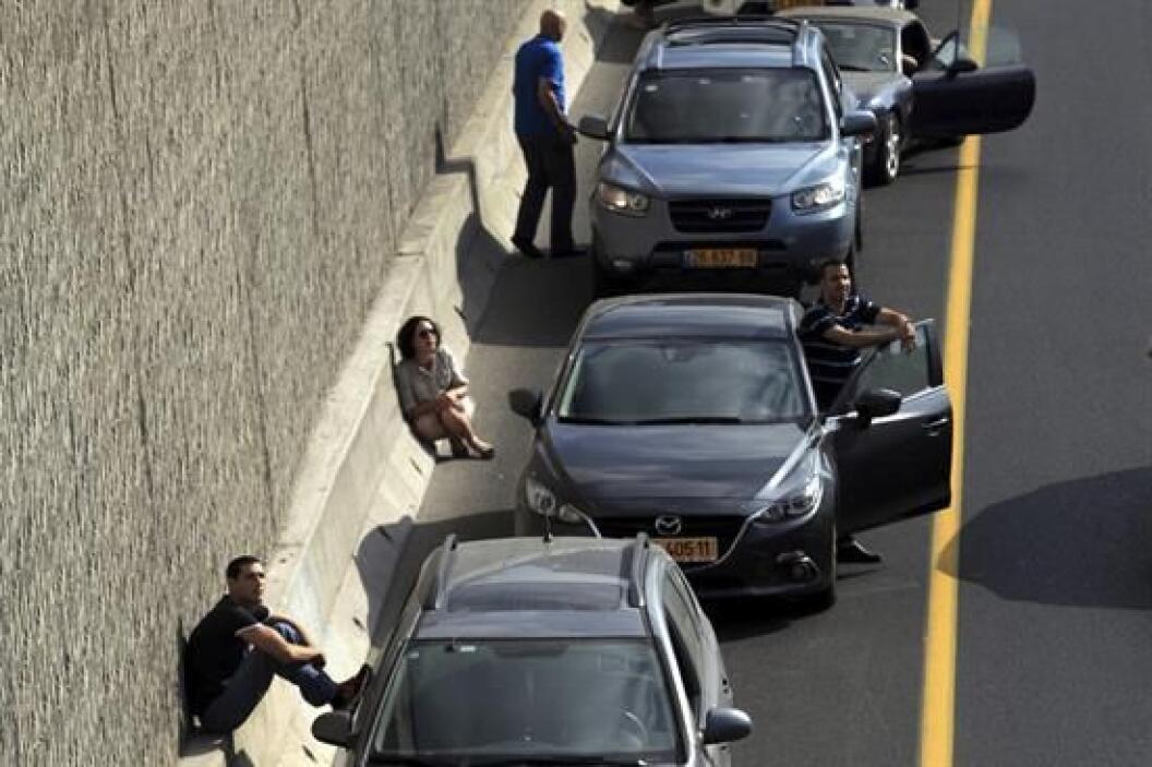 Las sirenas de alarma suenan todo el tiempo y los israelís ven interrump...