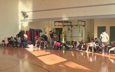 Este gimnasio en Nueva Jersey recibe de manera gratuita a jóvenes entre...