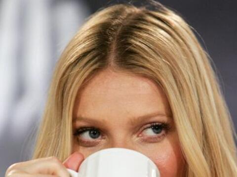 Si de despertar se trata la reina de las bebidas es el café. Gwyneth Pal...