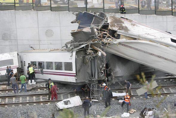 Se informa preliminarmente que el tren transportaba a más de 200 pasajeros.