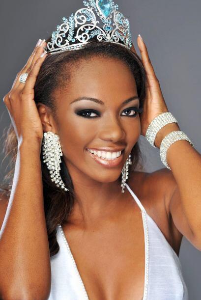 Lady Mina, Miss Ecuador 2009, es una mujer soltera y sin compromisos. Es...