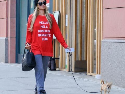 Esta semana hemos visto en varias ocasiones a Paris con este perrito pas...