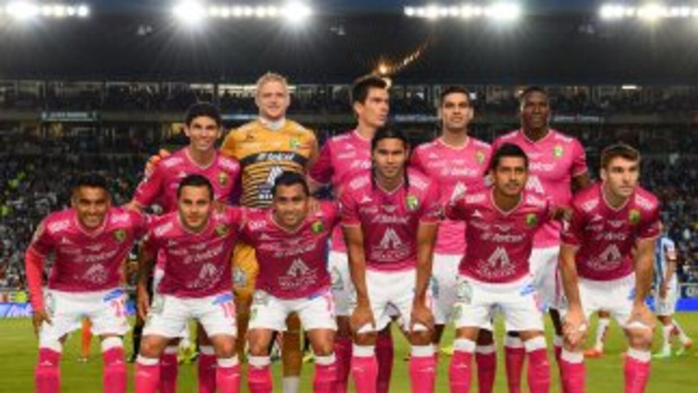 Podrían salir jugadores como Matías Britos y Carlos Peña.