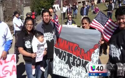 Más de 1,000 personas en Charlotte se suman a 'Un día sin inmigrantes'