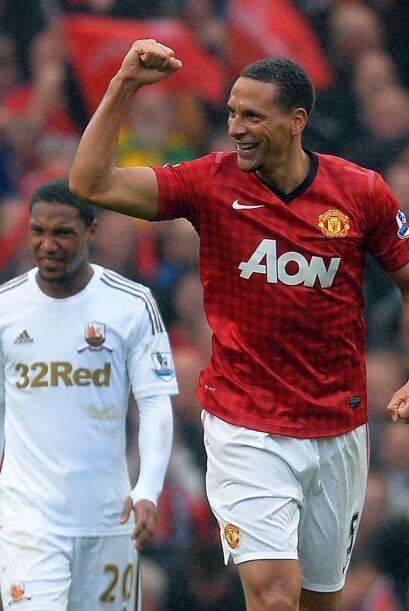 La central es para un emblemático inglés, Rio Ferdinand del Manchester U...