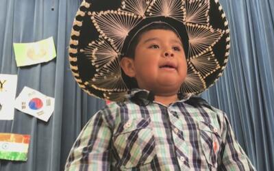 Un niño del Metroplex se hizo famoso en las redes sociales con la canció...