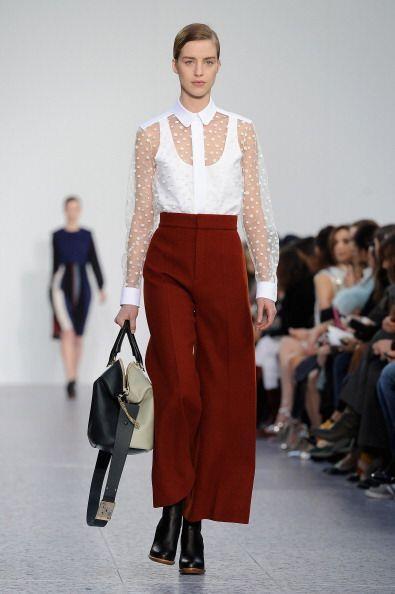 Los pantalones tipo 'palazzo' son una moda que dejará completamente enca...