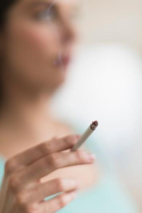 3.- Ser fumador de segunda mano, es decir, respirar el humo de un fumado...
