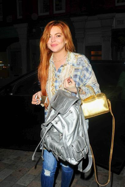 Ella también nos presumió sus maxi bolsos para aprobar el juicio 'fashio...