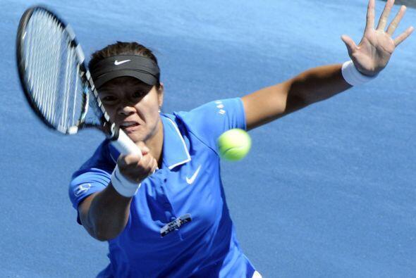 La china Na Li (8) ganó a la alemana Angelique Kerber en dos sets...