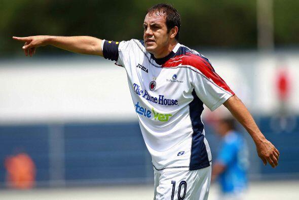 El delantero del Puebla, Cuauthémoc Blanco, también visti&...